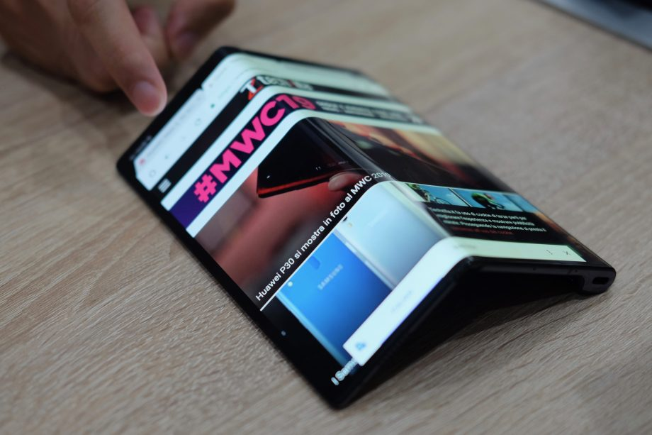 Google is currently working on foldable Pixel phone prototypes
